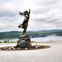 Скульптурная композиция «Ждущая», г.Мурманск