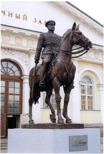 Конный памятник маршалу К.К.Рокоссовскому. г.Черкизово (Московская область)