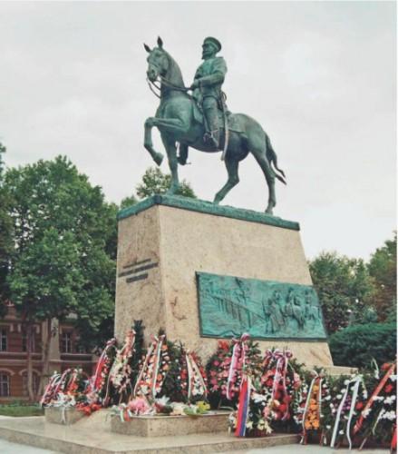 Памятник генералу Скобелеву, г.Плевен (Болгария)