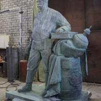 Памятник таможеннику - Павлу Верещагину