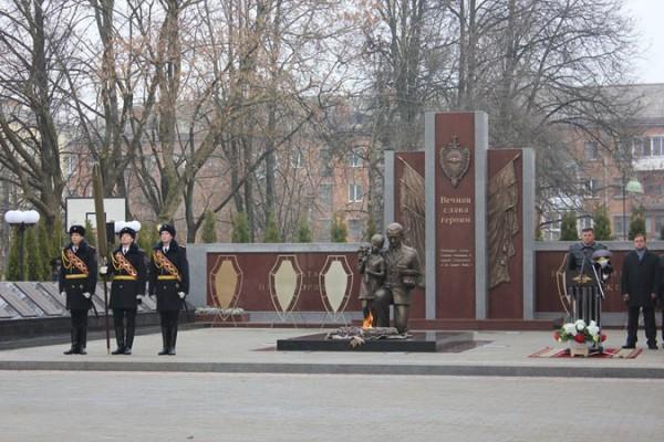 Мемориал «Солдатам правопорядка, погибшим при исполнении служебных обязанностей». (Смоленск)